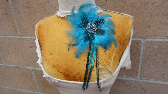 Cute beaded  feather   flower applique  1 piece listing.