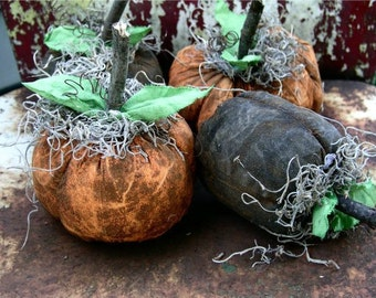 Primitive Grubby Halloween Pumpkins-Your Color Choice-Set Of 4-FAAP