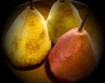 Primitive Folk Art Red,Yellow And Green Pear Ornies Set Of 3-FAAP