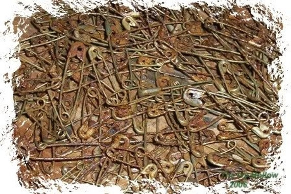 Primitive Rusty Safety Pins Lot Of 50 Plus