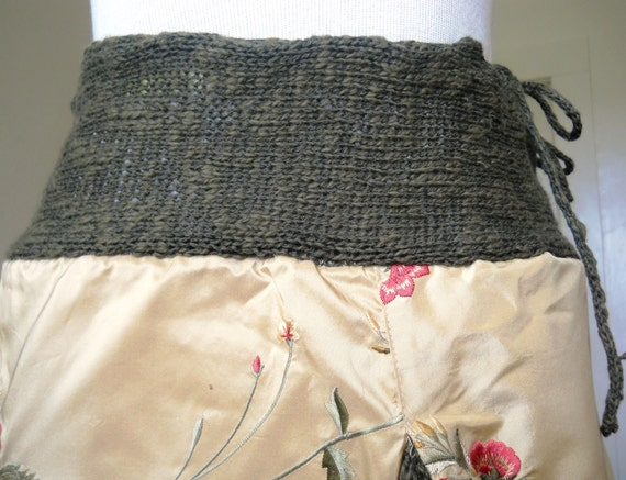 A-line skirt with knit insert and waist