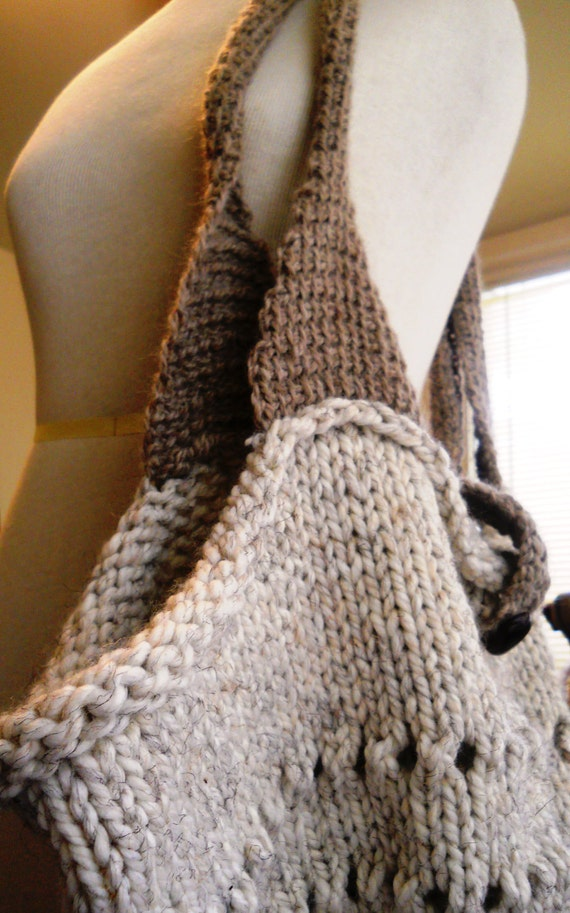 Oversized knitted tote