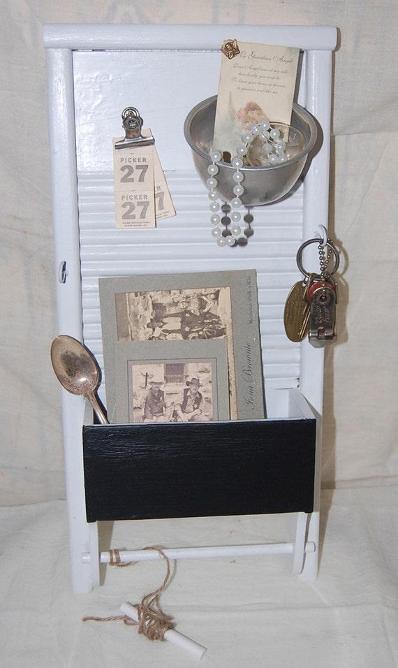 Washboard Organizer-Display-ChalkBoard-Shabby Chic-Wood-Jewelry Organizer / Memo Board
