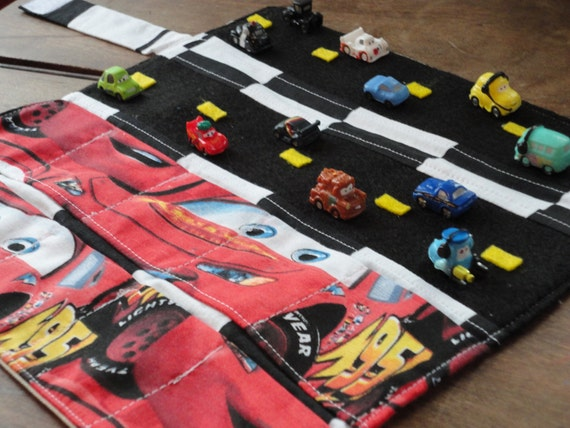 Lightning Mcqueen Squinkies  Car Caddy with Roads