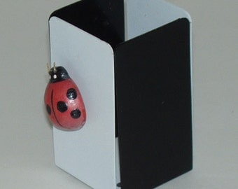 1970s style Pencil cup with lady bug for posting notes
