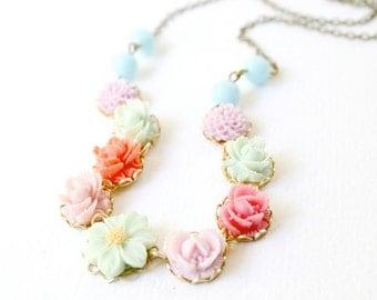Lila Flower Necklace