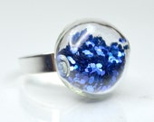 Royal blue big glitter in round blown glass silver tone Ring
