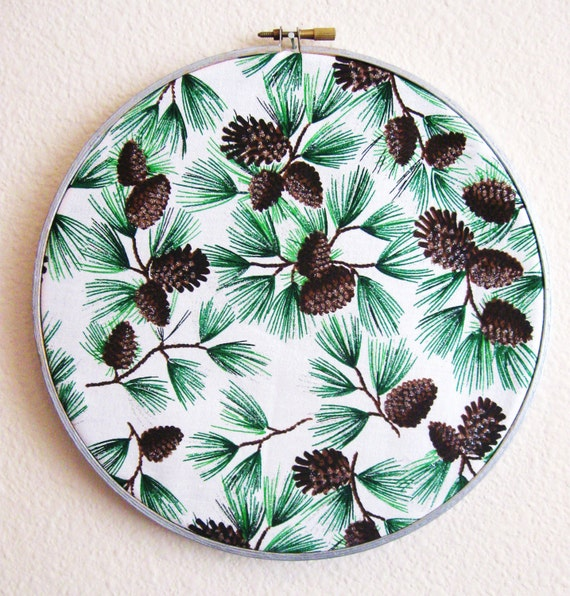 Pinetree clusters Embroidery Hoop Art - Holiday Pine Cone Wall Hanging - 9in Hoop - Christmas