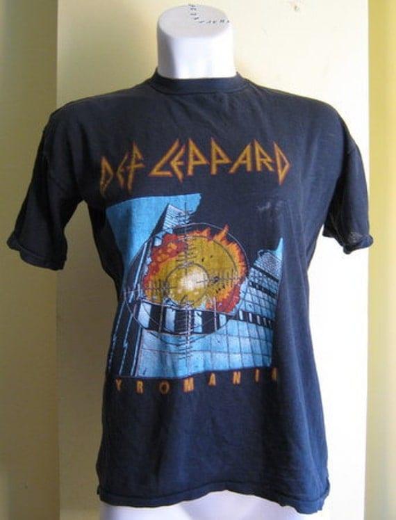 Last Chance Moving Sale  Original Def Leopard Pyromania 1983 Band Tshirt collectors rare small medium