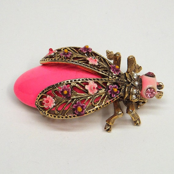 Vintage 1960s Hot Pink Queen Bee or Ladybug pin
