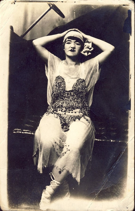 PROVOCATIVE RISQUE Beaded Art Deco Dress and MAKEUP on this Early Call Girl Flapper Woman Photo Postcard 1915