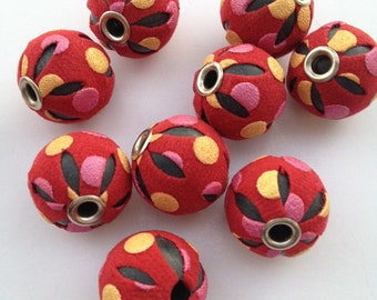 18 mm - 10 pieces - RED Leatherette Beads - Basketball Wives Inspired