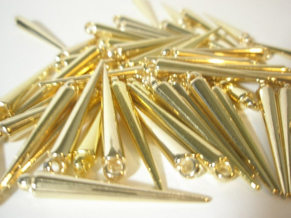 Basketball Wives Inspired SMALL Spikes 35 mm (36 pcs) - GOLD