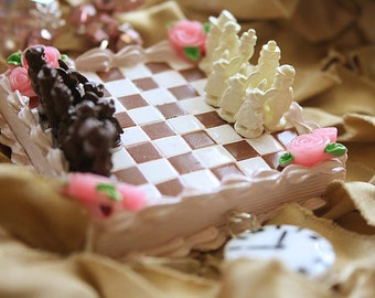 Alice in Wonderland chess game cake  necklace