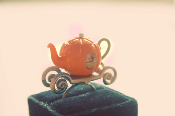 Cinderella's pumpkin carriage tea pot ring