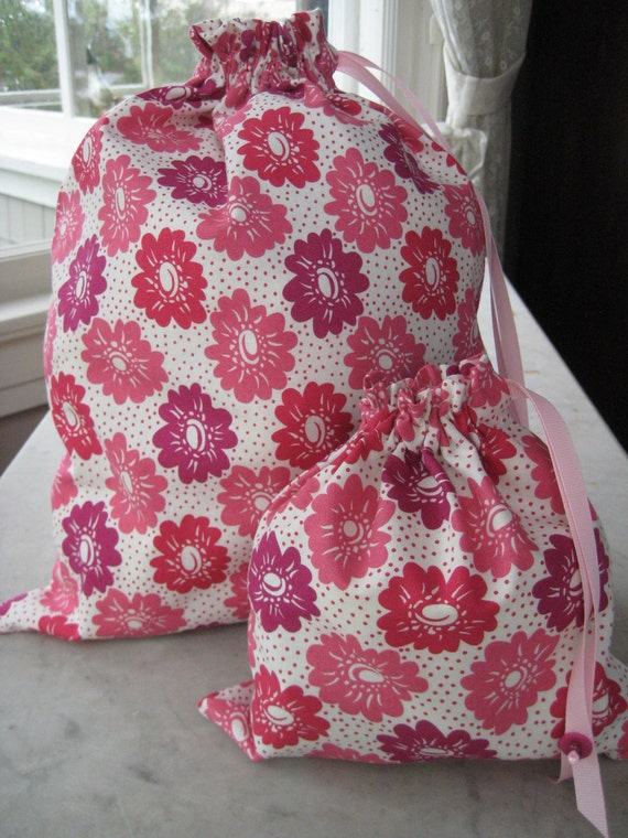 Pretty Simple Drawstring Project Bag Set - Pink & Berry-Red Flowers