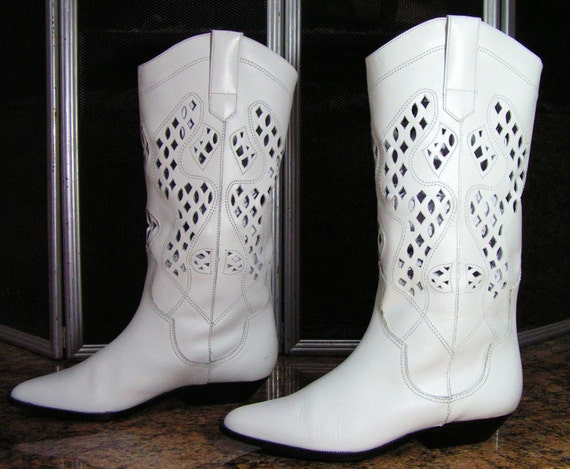 vintage cowboy boots womens 6 M B white wedding cowgirl western easter