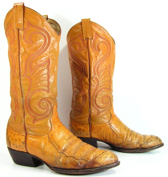Popular Mexican Cowboy Boots Are Not Usually Made Out Of Leather, Like Normal Boots They Usually Use Exotic Animal Skins Some Examples Of Materials They Are Made From Include Bull, Lizard, Armadillo, And Ostrich  Men, Women, And
