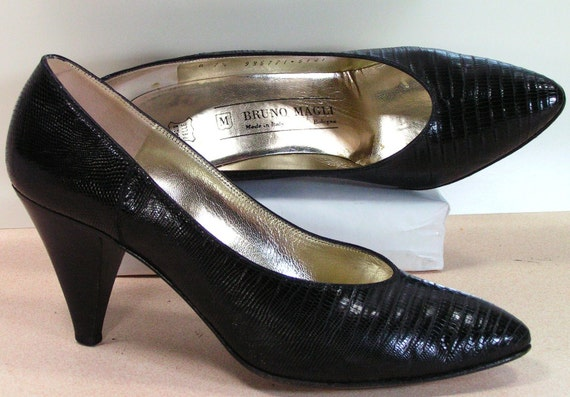 vintage lizard pumps dress shoes womens 7.5 b m black bruno magli high heels
