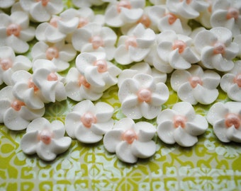 Royal Icing Flowers-  White Royal Icing Drop Flowers with pink pearl center (50)