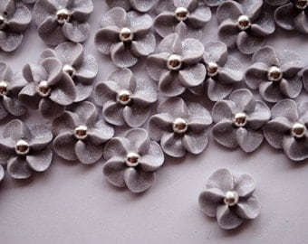 Royal Icing Flowers in Silver with a silver dragee center (50)