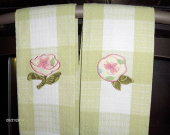 Two Longaberger fabric kitchen towels-FLORAL BLOOMS