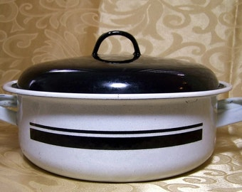 Vintage Enamel Ware Roasting Pan Black and White Covered Casserole Country Kitchen