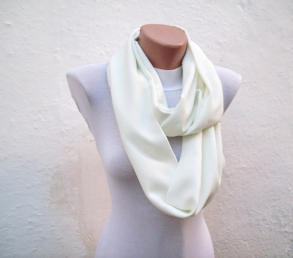 infinity scarf Loop scarf Neckwarmer Necklace scarf Fabric scarf  Cream