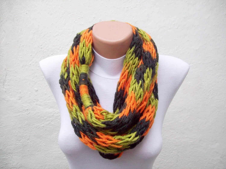 finger knitting scarf green orange black multicolor necklace