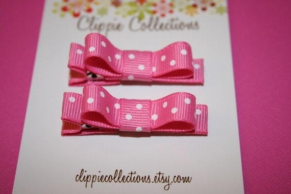 Pair of boutique mini hair bow clippies - Pretty pink with white dots - no slip grip