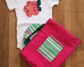 Flowery Onesie and Tote Gift Set - size 18 months