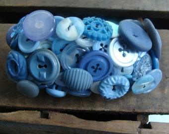 ON SALE Periwinkle Vintage Button Bracelet