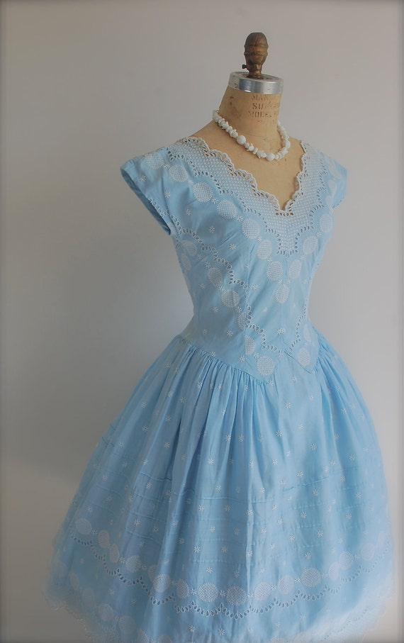 Embroidered Cocktail Prom Party Dress with a Full Skirt, 1950s Vintage