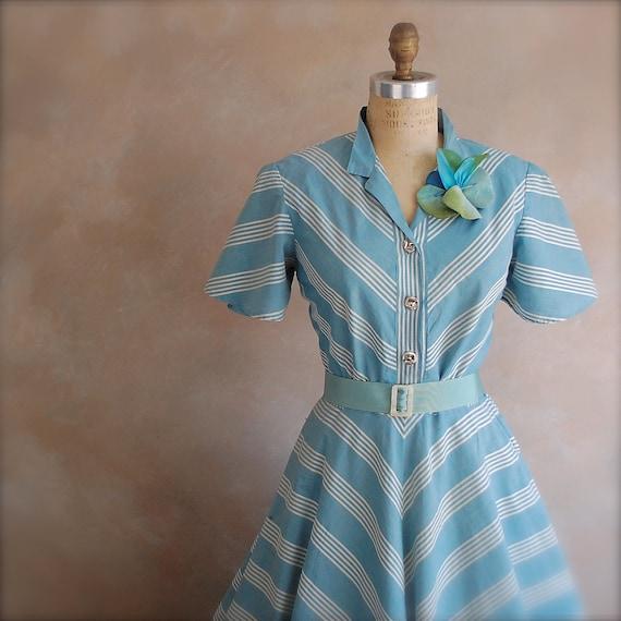 Vintage 1940s Day Dress - Chevron Design - Medium