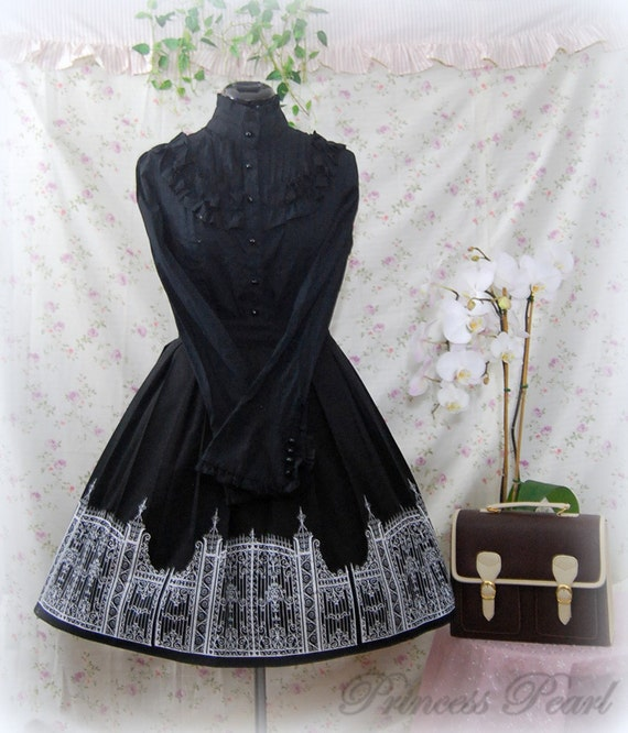 Gothic Lolita skirt: Iron Gate Skirt - black x white