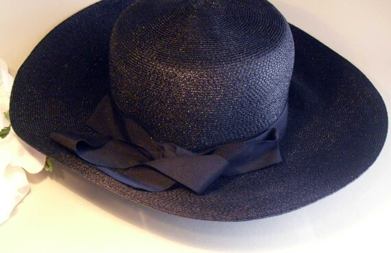 Navy blue Wide Brim spring and summer Hat with detachable ring of flowers, union label, 1930s to 1980s