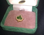 Vintage 10Kt Alpha Kappa Alpha AKA Sorority Pin in original case