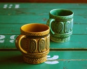 Mod Stacking Mugs Made in Japan 1960's Harvest Gold and Turquoise