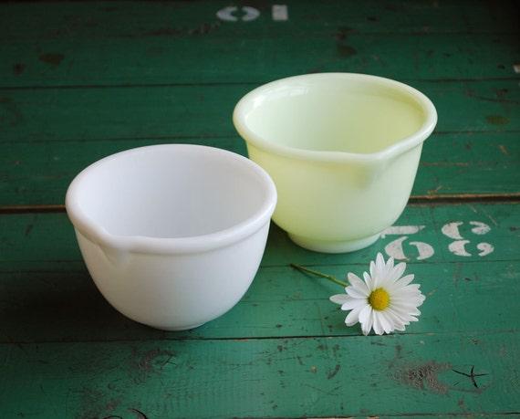 Milk Glass Mixing Bowls, Yellow and White Vintage Kitchen