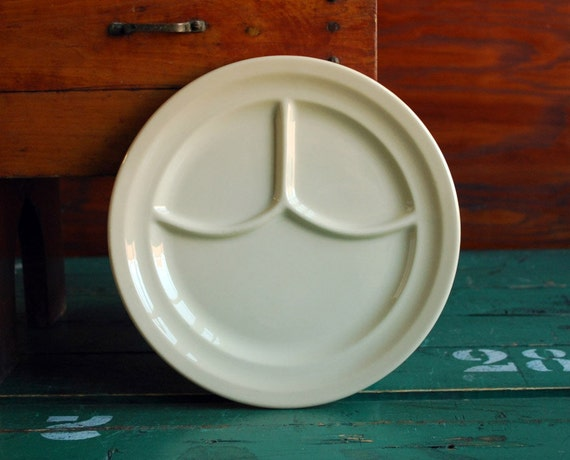Diner Ware China - Restaurant Ware - Syracuse China Adobe Ware Divided Plate - 1940s