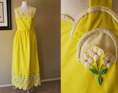 Vintage Maxi Dress 40s 50s Sunny Yellow Scallop Hem Cutout Daisy Floral Sleeveless Dress