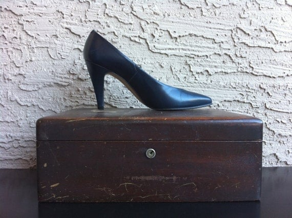 Pumps Stilettos Leather Shoe Navy Vintage sz 6M