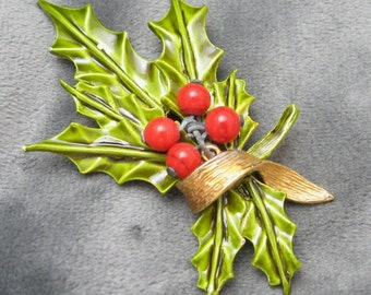 Vintage Christmas Brooch Holly Berry Pin by Art P1999