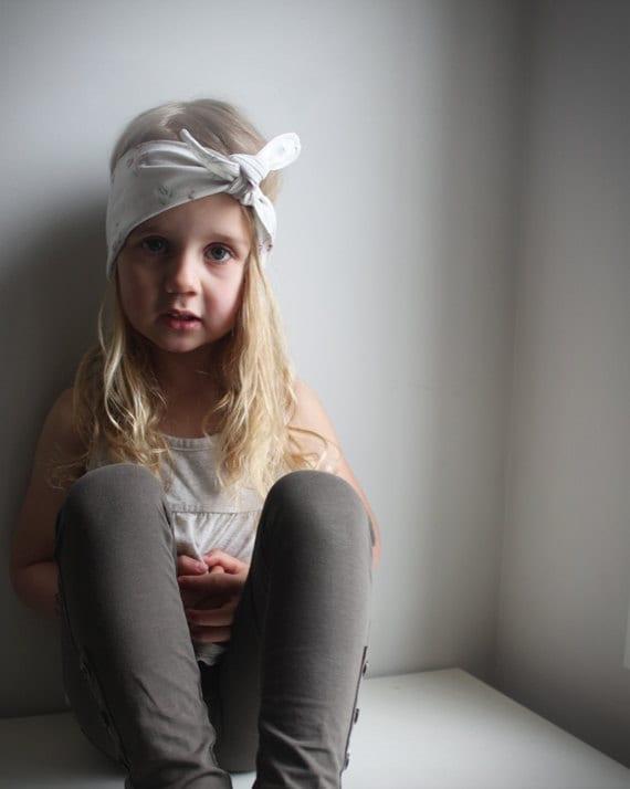 Bandana style headband - Vintage style Rose print Fabric Little girl headband - Tie up headband - Pink roses polka dots - Toddler headband