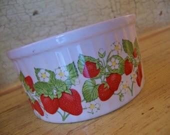 action strawberries bake dish