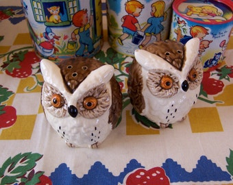 fairway ceramic owls  shaker set
