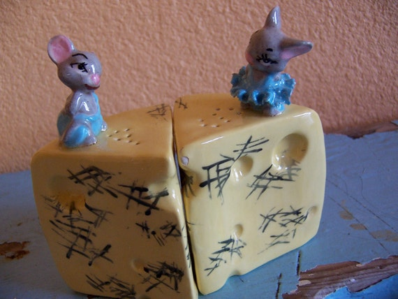 vintage cheese wedge and mice shakers