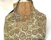 Everything Shoulder Bag in brown/aqua botanical floral print