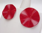 Red Enamel Wavy Circle Stud Earrings