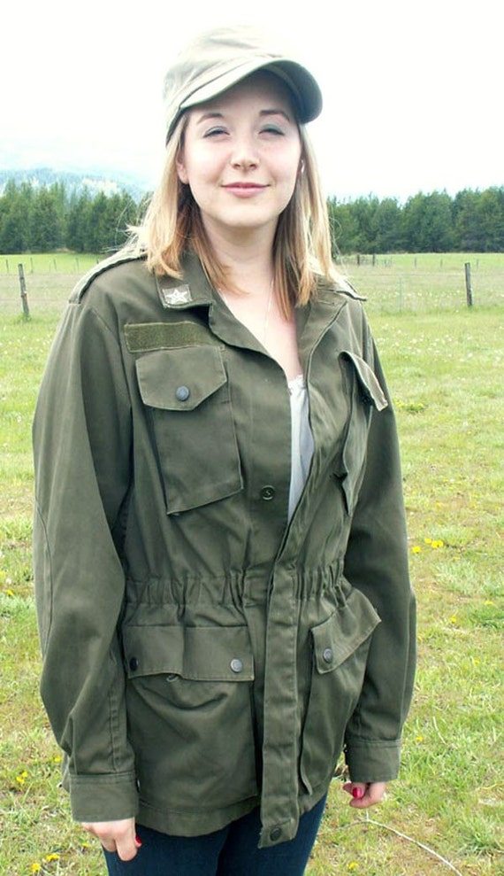 "Vintage Military Field Jacket - Mens Medium  ""Super Comfy with Lots of Pockets"""